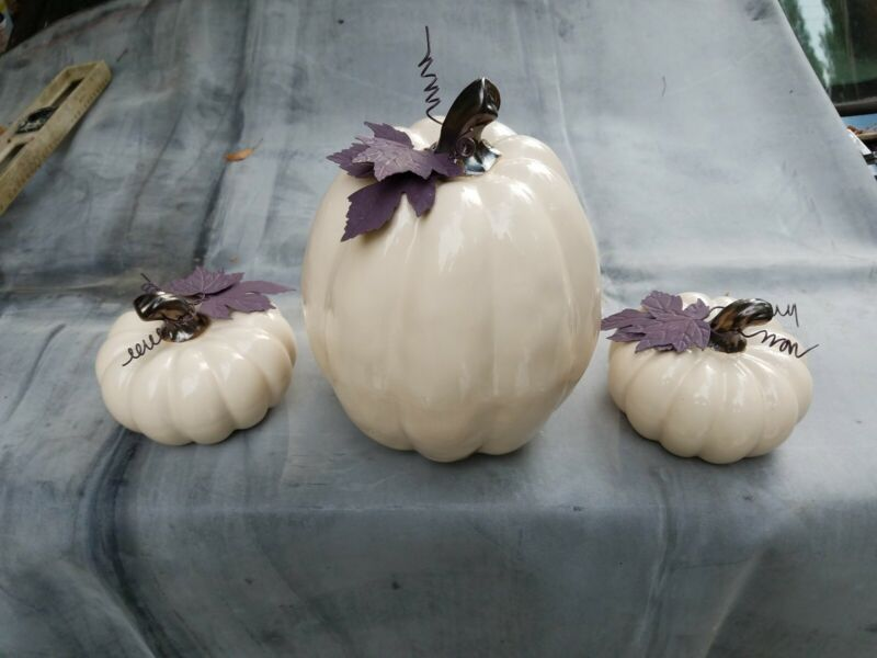 """Ceramic White Fall with 10"""" tall and about 8"""" wide with 2 5"""" small pumpkins"""