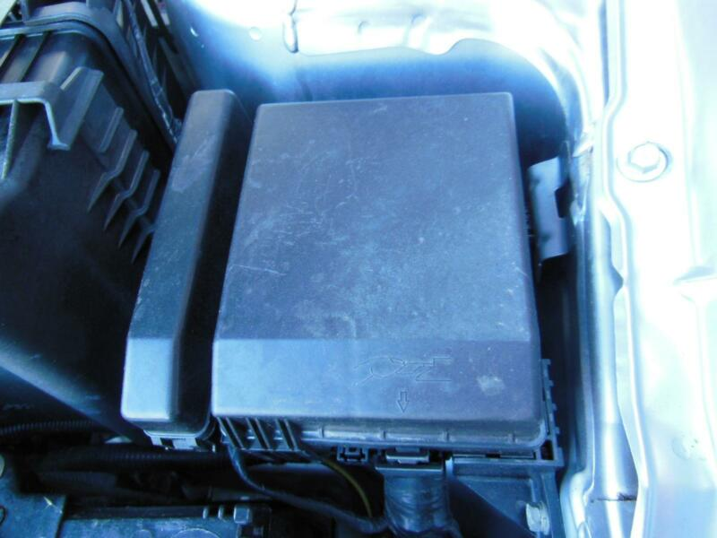 Details about MITSUBISHI LANCER FUSE BOX IN ENGINE BAY CG-CH, 2.4 LTR, on