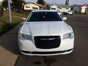 2015 Chrysler 300 limited AWD( first owner)