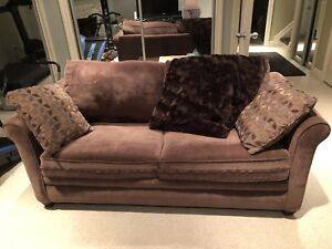 Sealy Sleep Sofa - Double bed- Impecable
