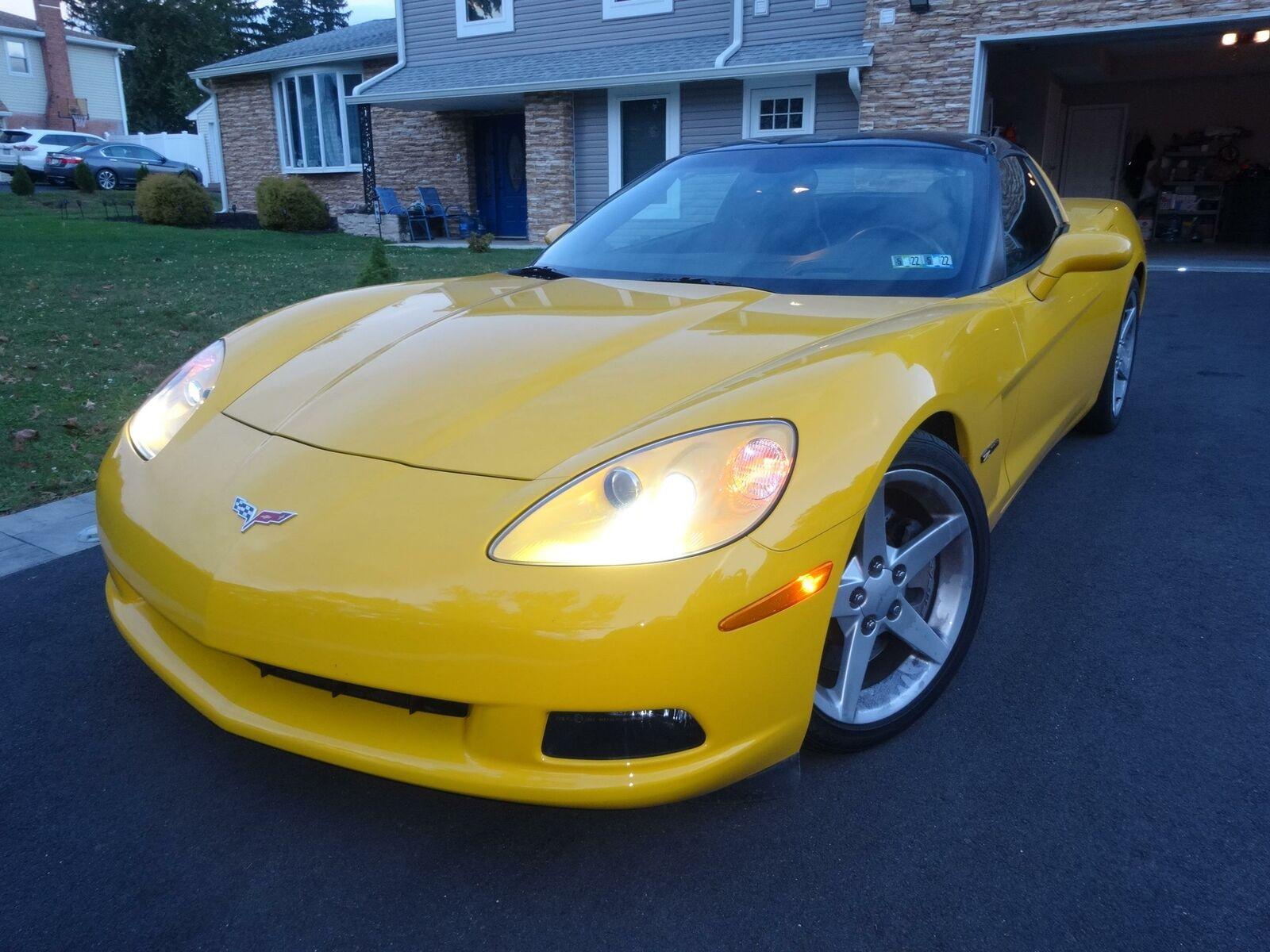 2005 Yellow Chevrolet Corvette     C6 Corvette Photo 2
