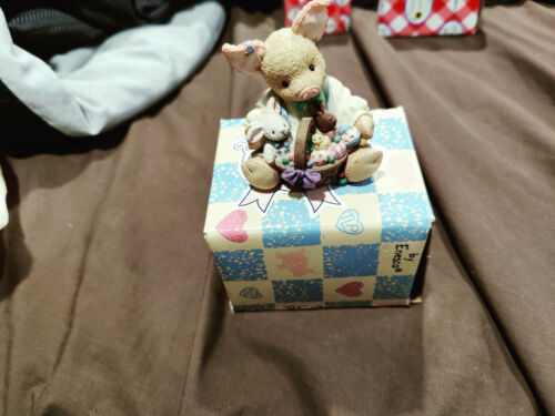 "This Little Piggy Figurine ""Easter Sure Is Su-eet!"" Enesco 1995 w/box"