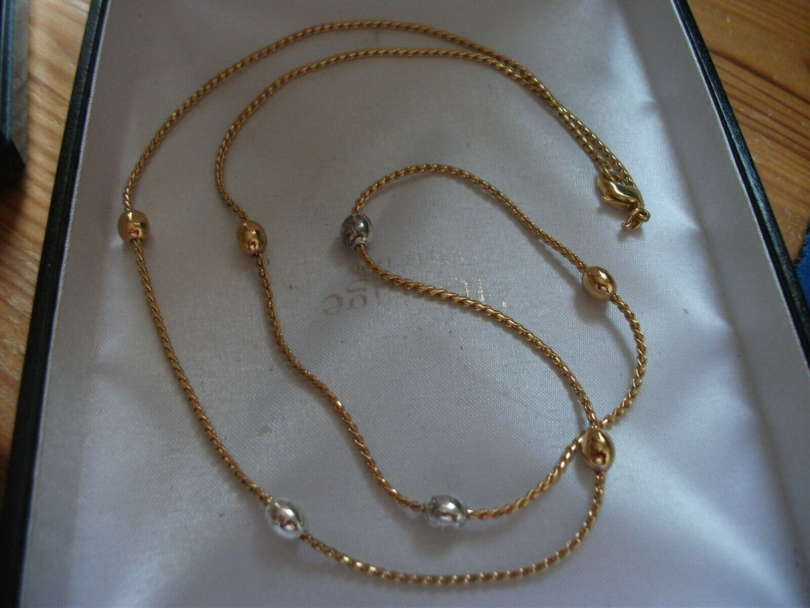 Jewellery - COSTUME JEWELLERY GOLD AND SILVER METAL NECKLACE GOOD QUALITY