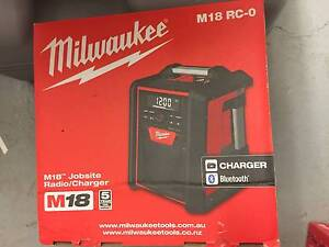 NEW MILWAUKEE 18V BLUETOOTH JOBSITE RADIO - SKIN ONLY Edensor Park Fairfield Area Preview