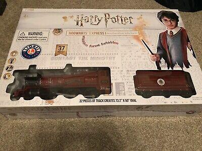 Lionel Harry Potter Hogwarts Express Train Set Battery Powered BRAND NEW