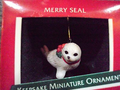"Hallmark Miniature 1989   ""MERRY SEAL"""