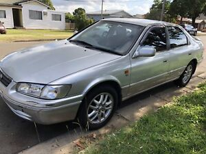 TOYOTA CAMRY TOURING 2001 - VERY LONG REGISTRATION