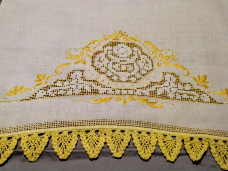 "Beautiful Embroiderd, Drawnwork Yellow Lace Beige Linen Hand Towel 22"" x 14.50"""