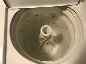Sell white washing machine color 300 CA$