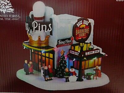 """Prelit LED Musical King Pins Christmas Village 9"""" Plays 8 Songs NEW IN BOX"""
