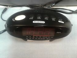 SUNBEAM ALARM CLOCK AM/FM RADIO MP3