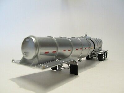 DCP FIRST GEAR 1/64 SCALE POLAR DROP CENTER TANKER, SILVER, SILVER UNDERCARRIAGE