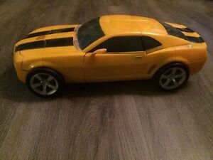 Transformers huge Ultimate bumble bee
