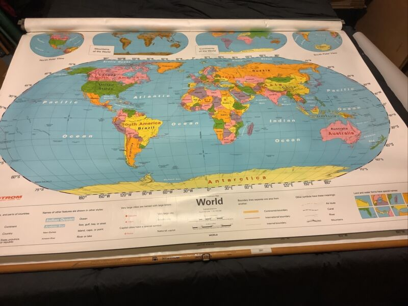 Very Nice Used Nystrom United States / World Pulldown Classroom Map 1NS991