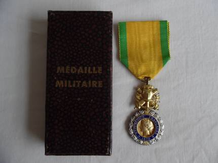 French Silver Medaille militaire medal Gallantry Cased