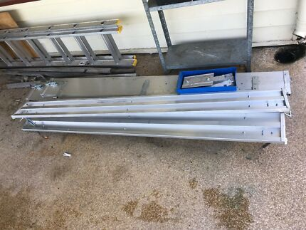 New set of 5 gates and brackets