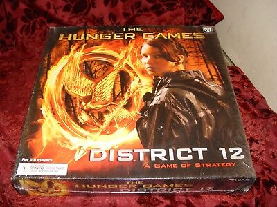 THE HUNGER GAMES District 12 Board Game, NEW Sealed Box
