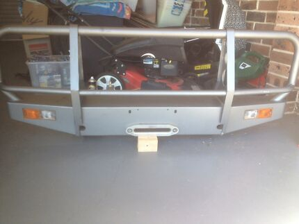 Land Rover Defender Factory Bull Bar - winch compatible Jamberoo Kiama Area Preview