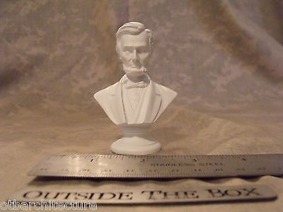 Abraham Lincoln    Mini Bust   Statue   New In Box  3  High   White