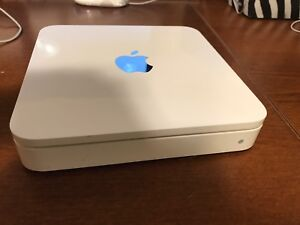 Apple Time Capsule 1TB (wireless router + backup)