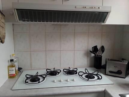 60cm Wall Oven $50 90cm gas cooktop & rangehood $100 S/S sink $20 Melton West Melton Area Preview