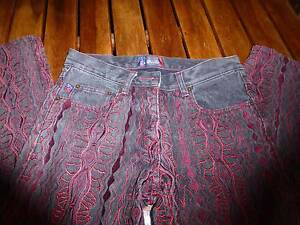 Embroidered Ladies Jeans Size 26 Coogi Brand Chapel Hill Brisbane North West Preview