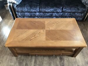 Coffee table with lifting up
