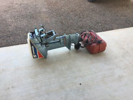 15 HP Evinrude Outboard Motor