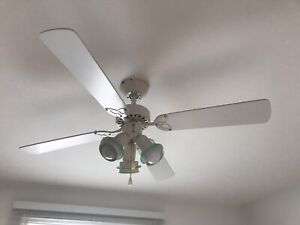 Ceiling fan/ventilateur plafond