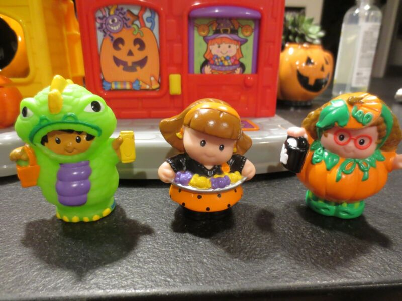 Fisher Price Little People Trick or Treat Surprise Haunted House Set-Complete