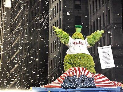 Philly Phanatic World Series (PHILLIES TOM BURGOYNE PHILLIE PHANATIC AUTOGRAPHED 16X20 WORLD SERIES PHOTO WCOA )