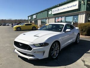 2018 Ford Mustang GT Premium LEATHER/NAV/BLUETOOTH/HEATED AND...
