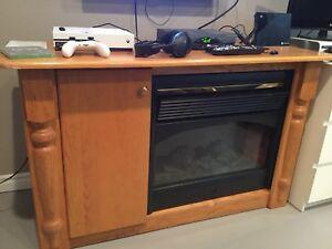 Bureau avec foyer électrique