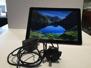 Microsoft Surface Go (64GB eMMC, 4GB RAM, Intel 4415Y) Model 1824