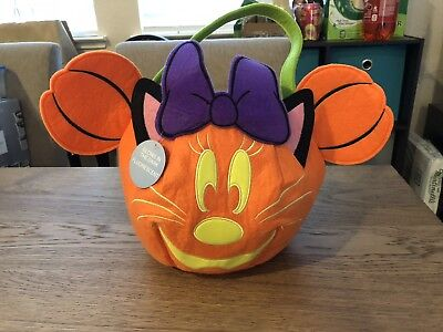 DISNEY Store HALLOWEEN 2017 TRICK OR TREAT Candy Tote Bag MINNIE Mouse GLOWS NWT (Halloween 2017 Stores)