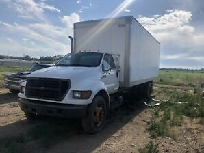 Ford f750 cargo truck