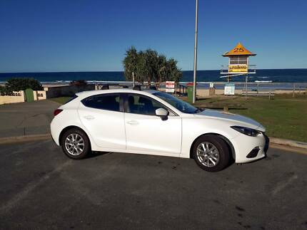 2015 Mazda Mazda3 Hatchback mint cond. with 1 year full warranty