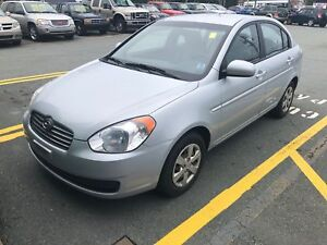 2010 Hyundai Accent GL AUTO SEDAN W/ ONLY 82K!