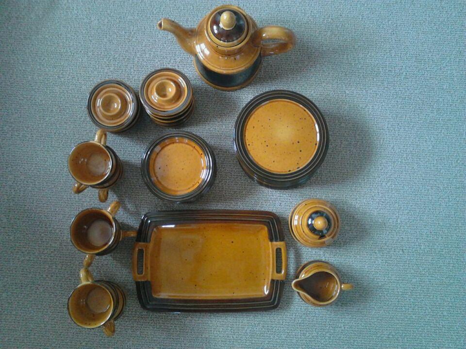 Speiseservice für  9 Personen mit Kaffeekanne, Eierbechern in Kempten