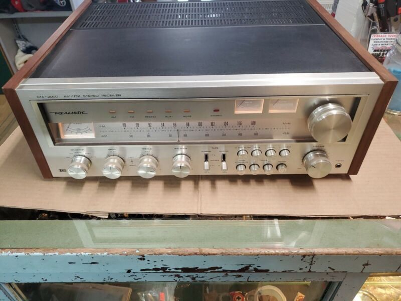 REALISTIC STA-2000 STEREO RECEIVER AMPLIFIER 31-2075