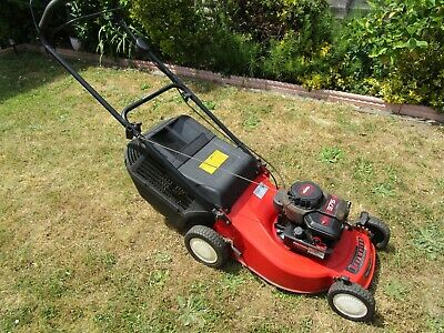 Champion 46cm Self Propelled Petrol Driven Rotary Lawnmower