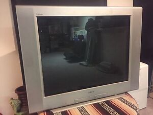 Sony tube tv with matching 5.1 surround