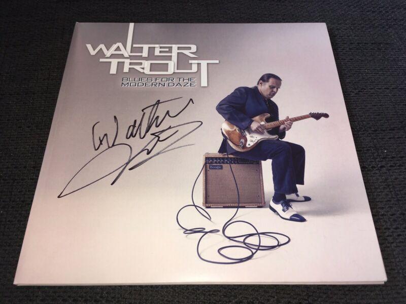 WALTER TROUT signed Autogramm BLUES FOR THE MODERN DAZE Vinyl signiert InPerson