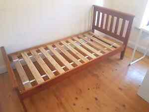 Wooden single bed Para Hills Salisbury Area Preview