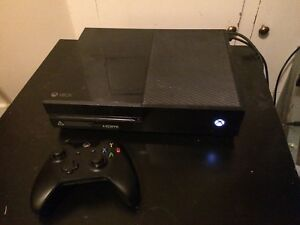 500GB Xbox One w/ multiple games
