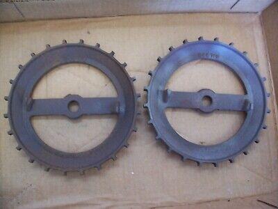 2 Vintage Cast Iron Jd Planter Plates 345712 John Deere