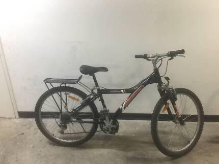 Mongoose Pro bike 21 sis shamno gears good tyres