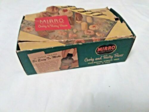 Vintage Mirro Aluminum Holiday Cooky & Pastry Press 358-AM Box & Recipe Manual