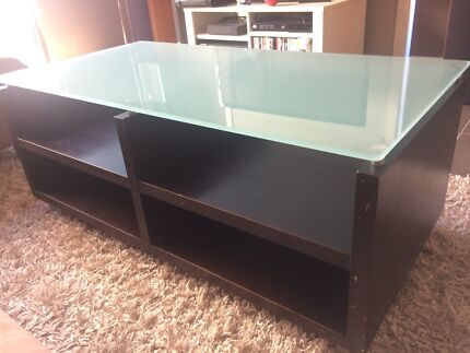 Freedom coffee table