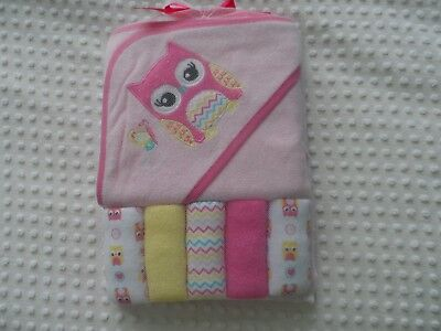 New Girl Towel (NEW Girl Baby Infant Package of 5 Face Cloth & One Bath Drying Towel with)